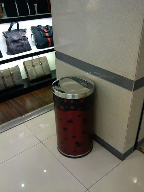 最漂亮的商场垃圾桶